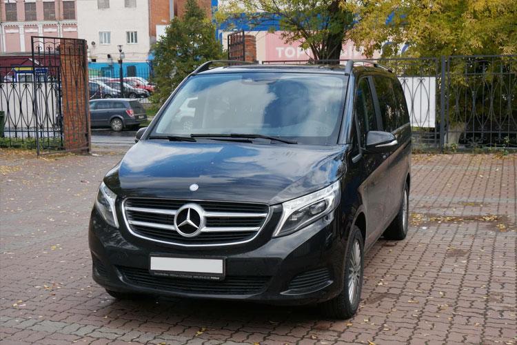 Mercedes V-class без водителя